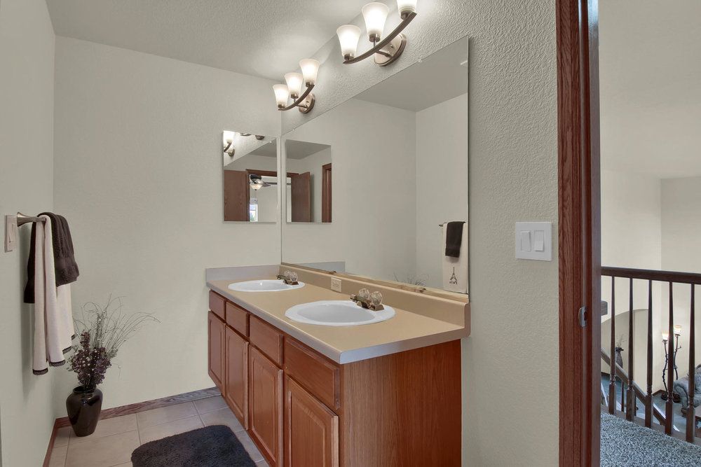 5547 Quail St Arvada CO 80002-025-27-Bathroom-MLS_Size.jpg