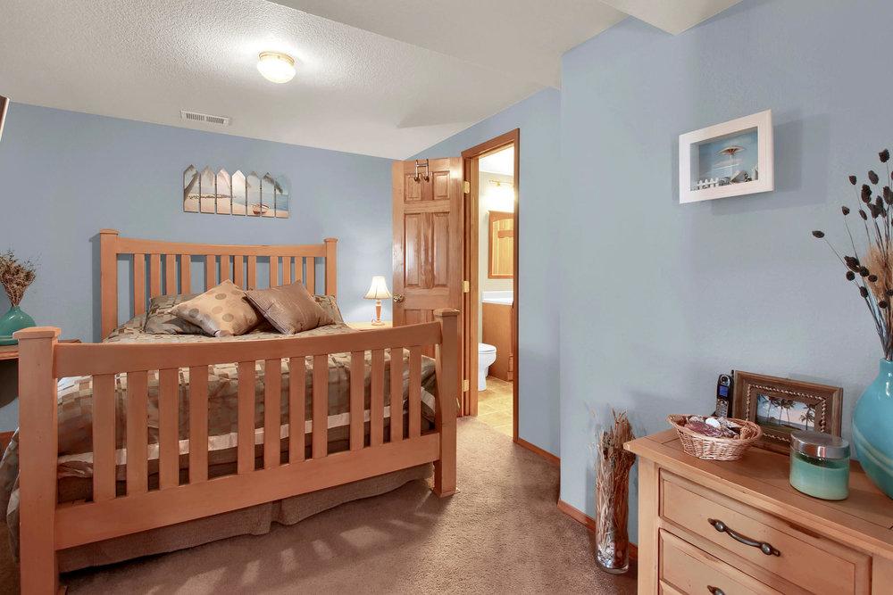 5547 Quail St Arvada CO 80002-032-33-Bedroom-MLS_Size.jpg