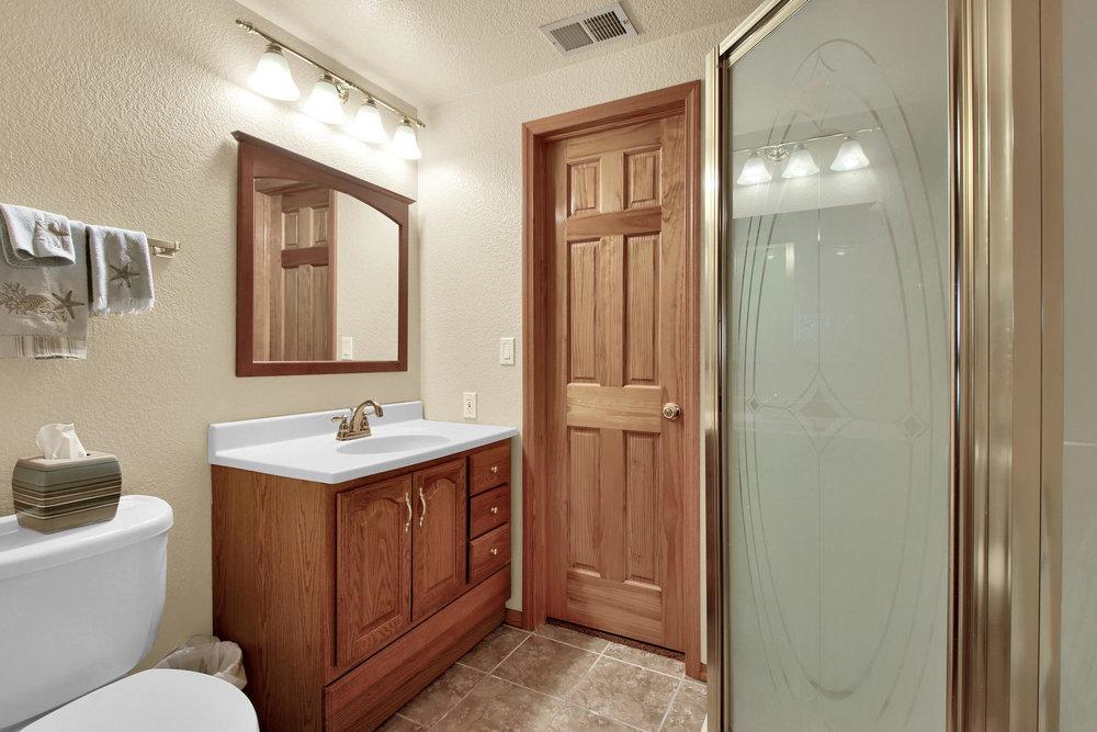 5547 Quail St Arvada CO 80002-034-40-Bathroom-MLS_Size.jpg