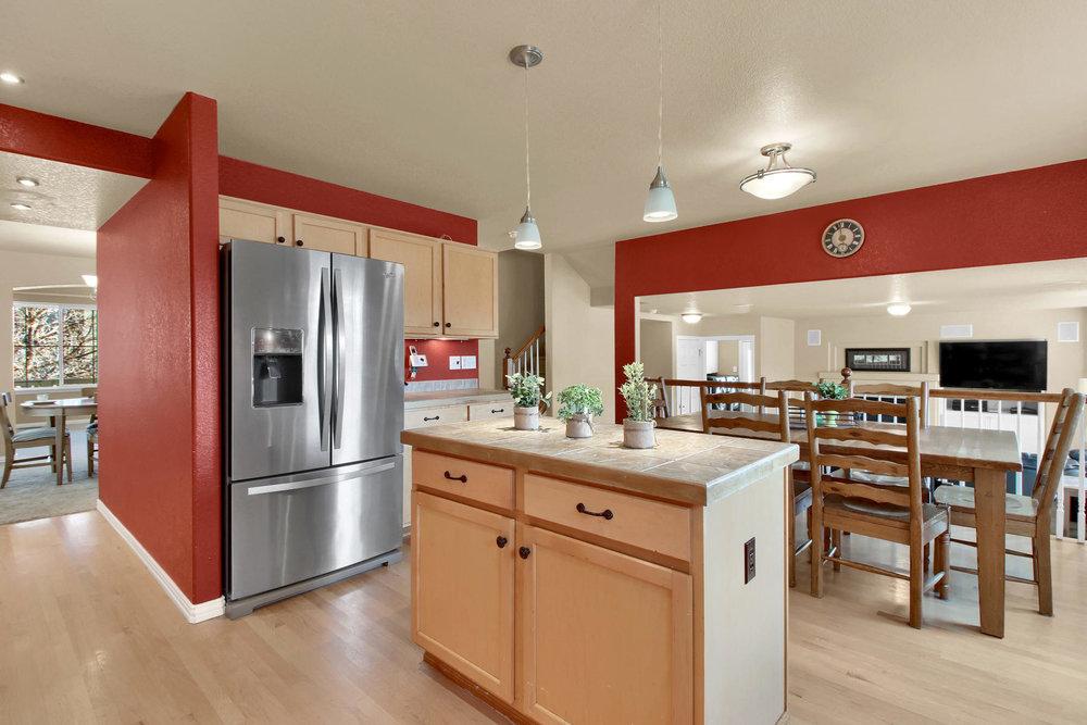 5367 Parfet St Arvada CO 80002-014-12-Kitchen-MLS_Size.jpg
