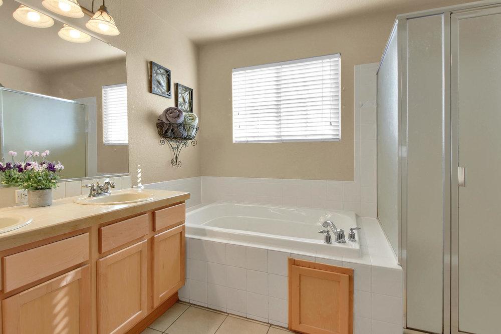 5367 Parfet St Arvada CO 80002-022-17-Bathroom-MLS_Size.jpg