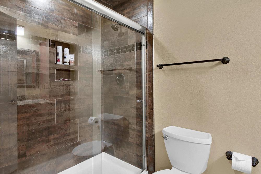 5367 Parfet St Arvada CO 80002-033-23-Bathroom-MLS_Size.jpg