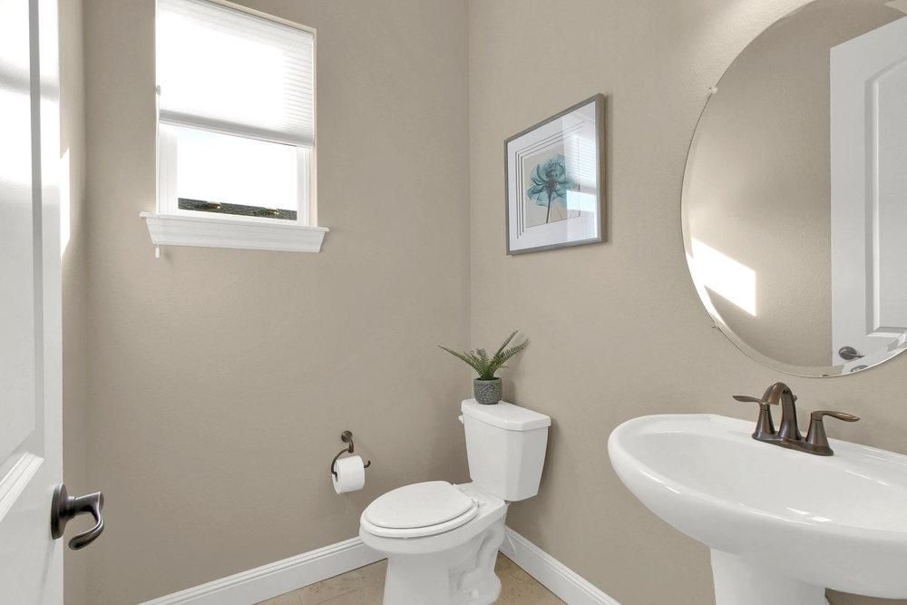 8283 Moss Cir Arvada CO 80007-large-020-15-Bathroom-1500x1000-72dpi.jpg