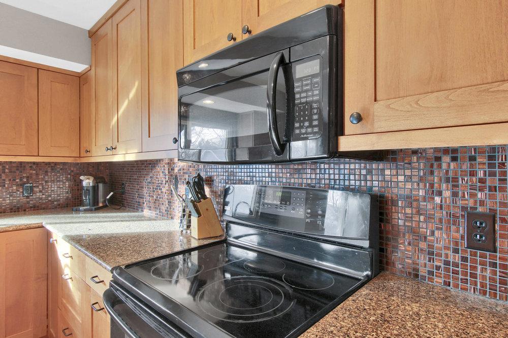 9375 Osceola St Westminster CO-008-6-Kitchen-MLS_Size.jpg