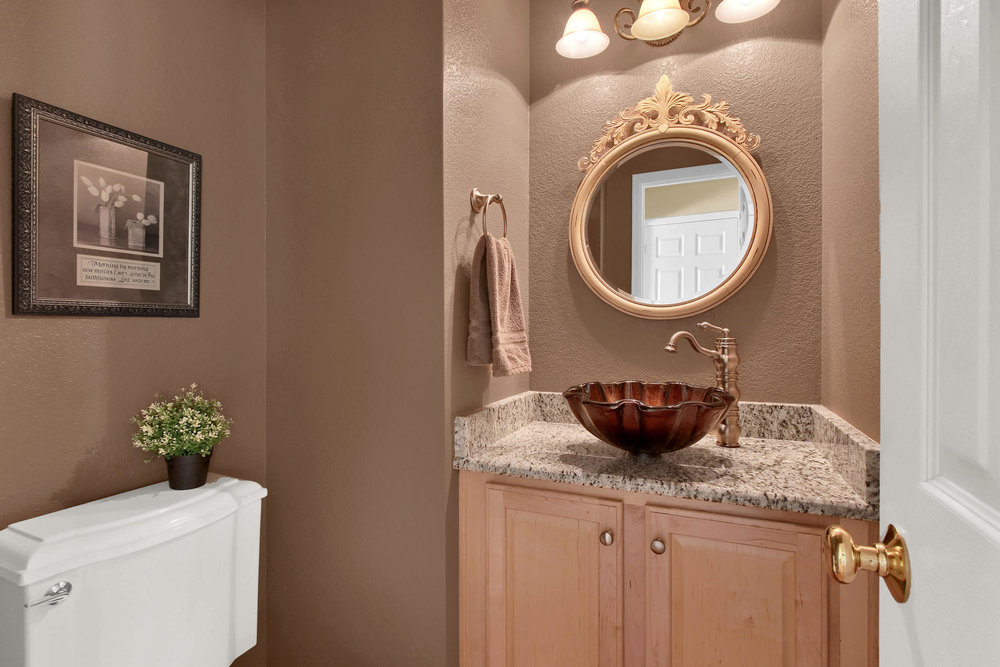 8322 Coors Ct Arvada CO 80005-015-18-Bathroom-MLS_Size.jpg