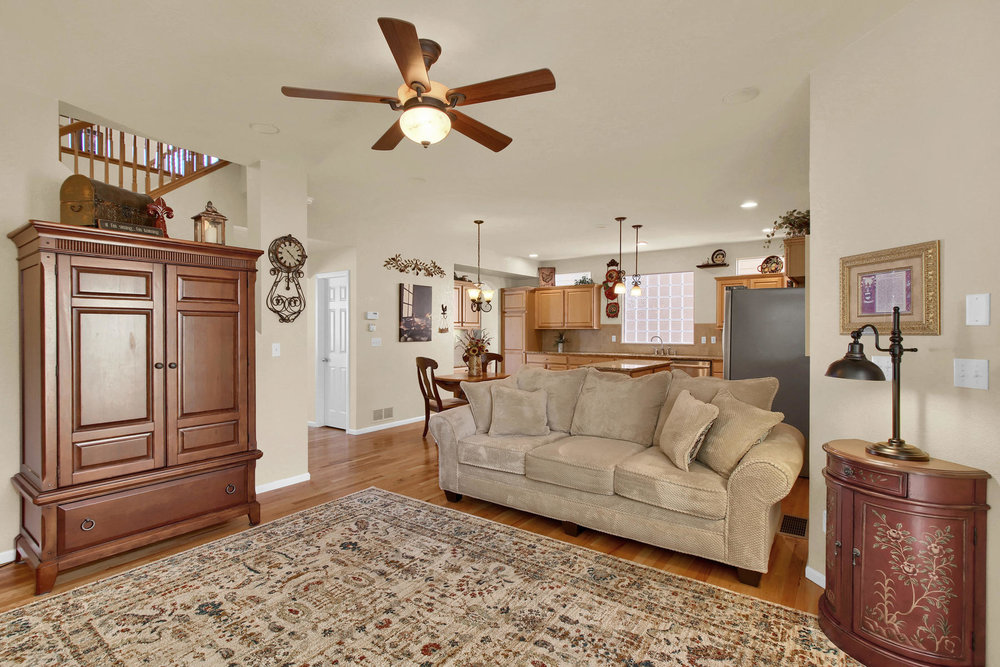 8322 Coors Ct Arvada CO 80005-016-14-Living Room-MLS_Size.jpg