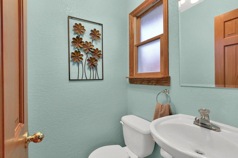 11415 W 76th Way Arvada CO-026-18-Bathroom-MLS_Size.jpg