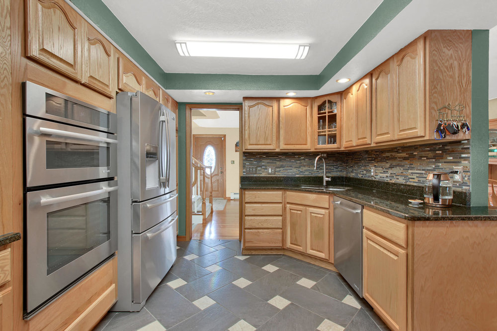11415 W 76th Way Arvada CO-027-21-Kitchen-MLS_Size.jpg