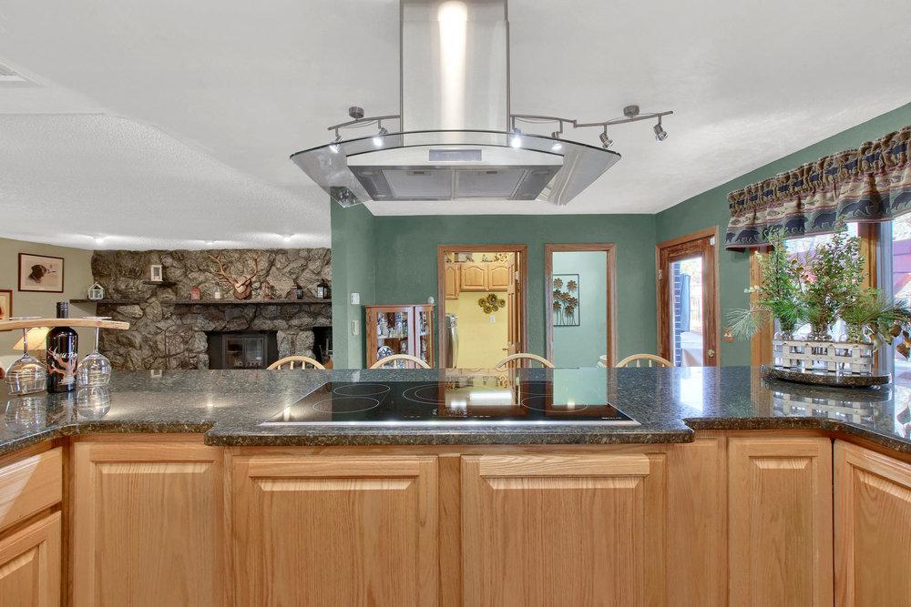 11415 W 76th Way Arvada CO-032-27-Kitchen-MLS_Size.jpg