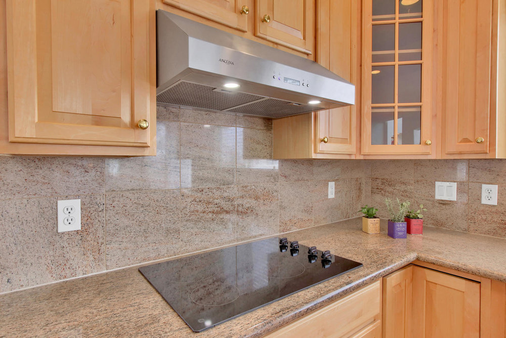 5447 Brookside Dr Broomfield-021-13-Kitchen-MLS_Size.jpg