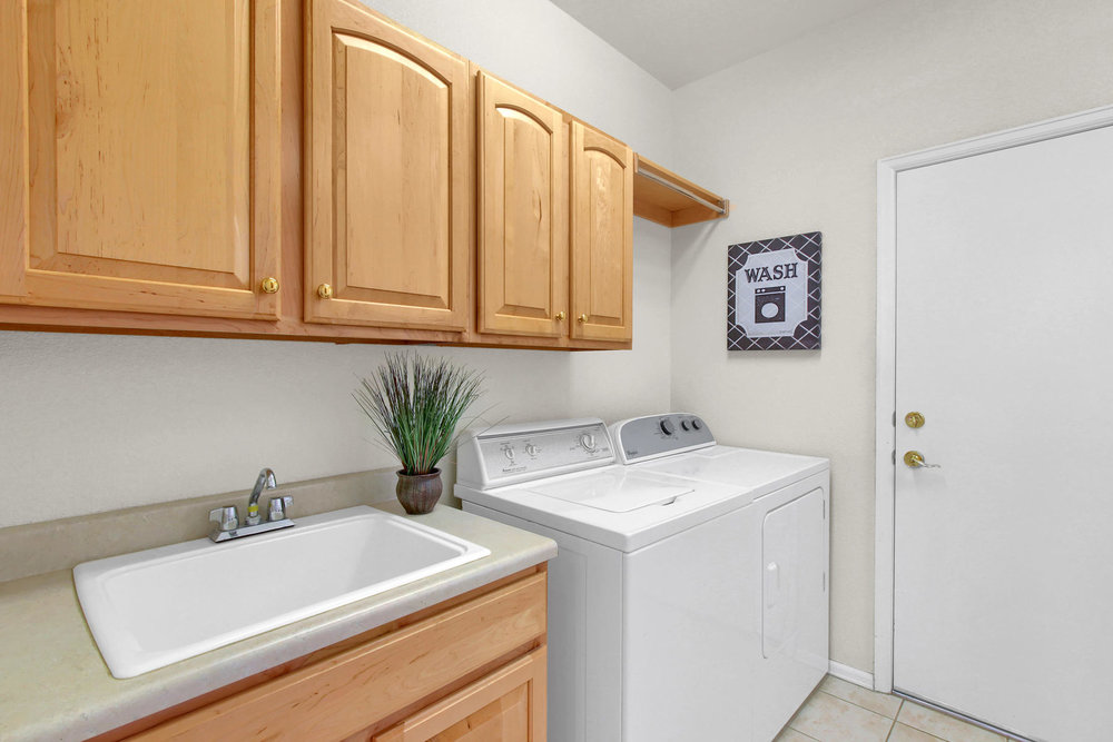 5447 Brookside Dr Broomfield-030-17-Laundry-MLS_Size.jpg