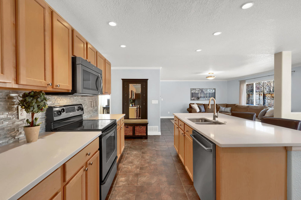 10651 W 54th Ave Arvada CO-008-13-Kitchen-MLS_Size.jpg