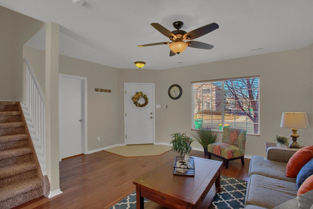 11662 Oakland Dr Commerce City-004-8-Living Room-MLS_Size.jpg