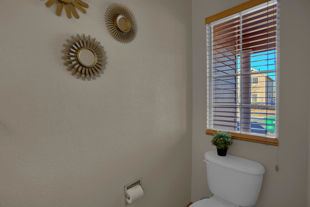 11662 Oakland Dr Commerce City-007-1-Bathroom-MLS_Size.jpg