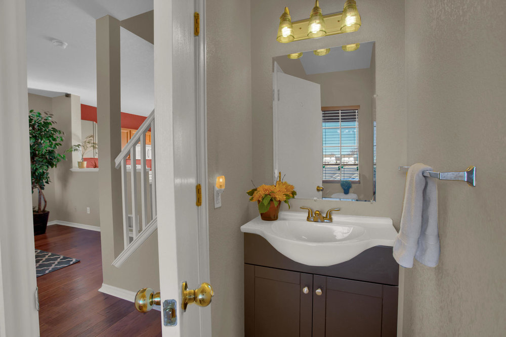 11662 Oakland Dr Commerce City-008-2-Bathroom-MLS_Size.jpg