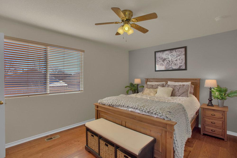 11662 Oakland Dr Commerce City-018-15-Bedroom-MLS_Size.jpg
