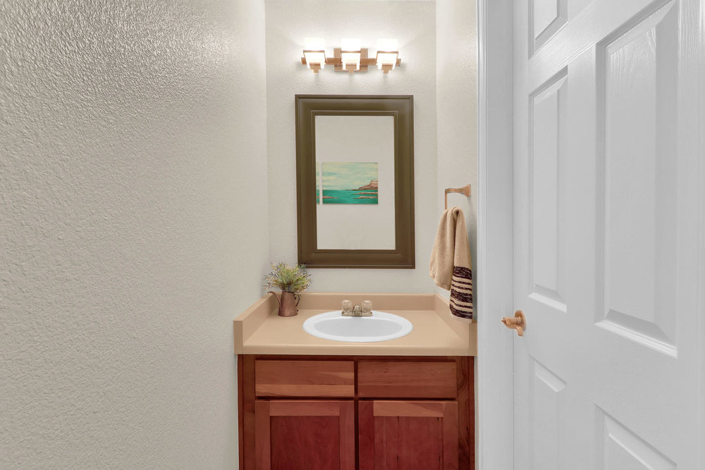 315 Andrew Dr Dacono CO 80514-012-11-Bathroom-MLS_Size.jpg