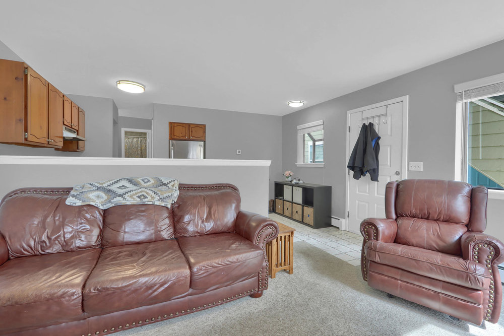 8033 Countryside Park 201-009-13-Living Room-MLS_Size.jpg