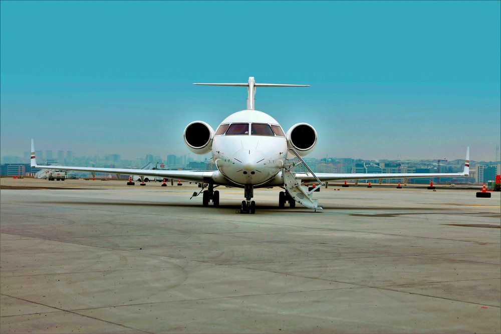 2005 Challenger 604 For Sale Exterior 4