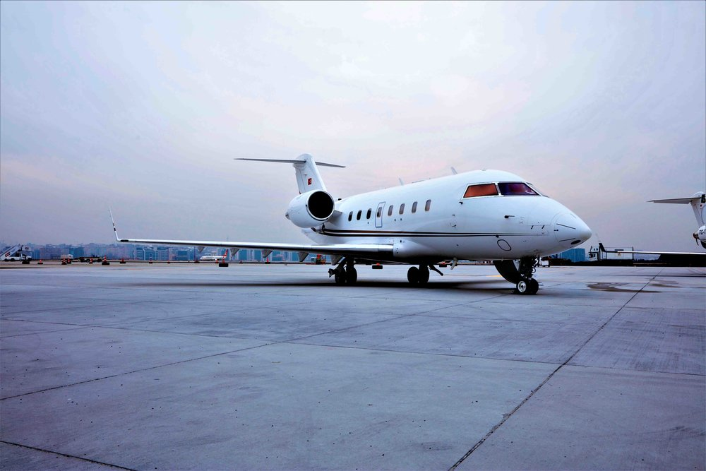 2005 Challenger 604 For Sale Exterior 5