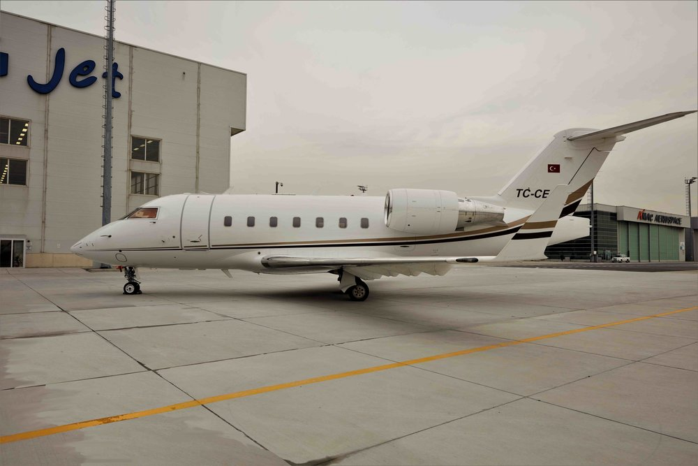 2005 Challenger 604 For Sale Exterior 7