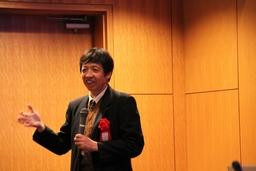 金沢大学大学院自然科学研究科松郷先生