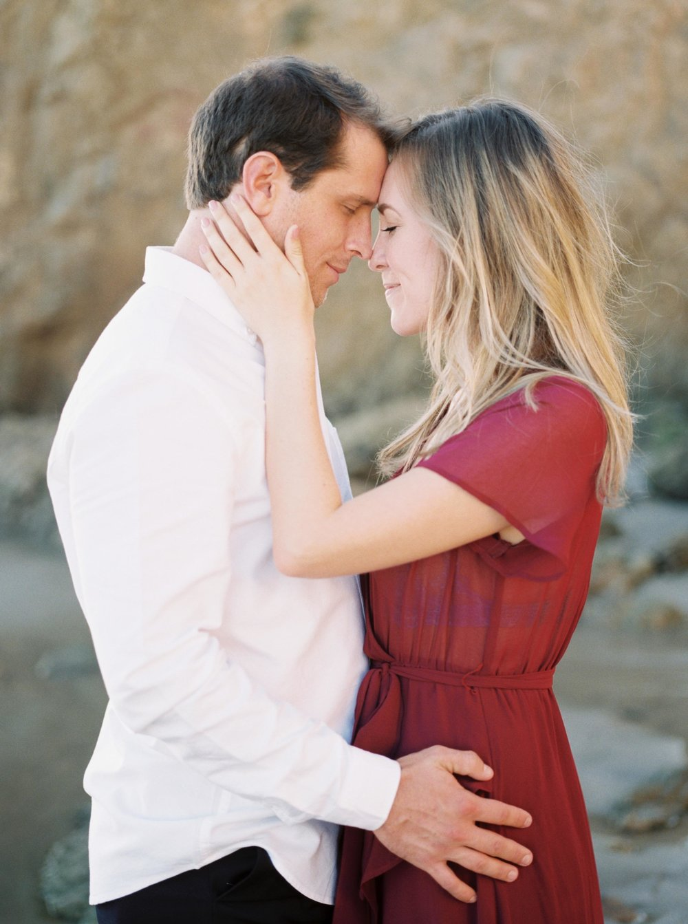 ELMATADOR_FUJI400H_MALIBU_LOSANGELES_PHOTOGRAPHER_WEDDING_ENGAGEMENT_STYLEMEPRETTY_FILM_BEACH_SOCAL_KATELROSEPHOTOGRAPHY_001.jpg