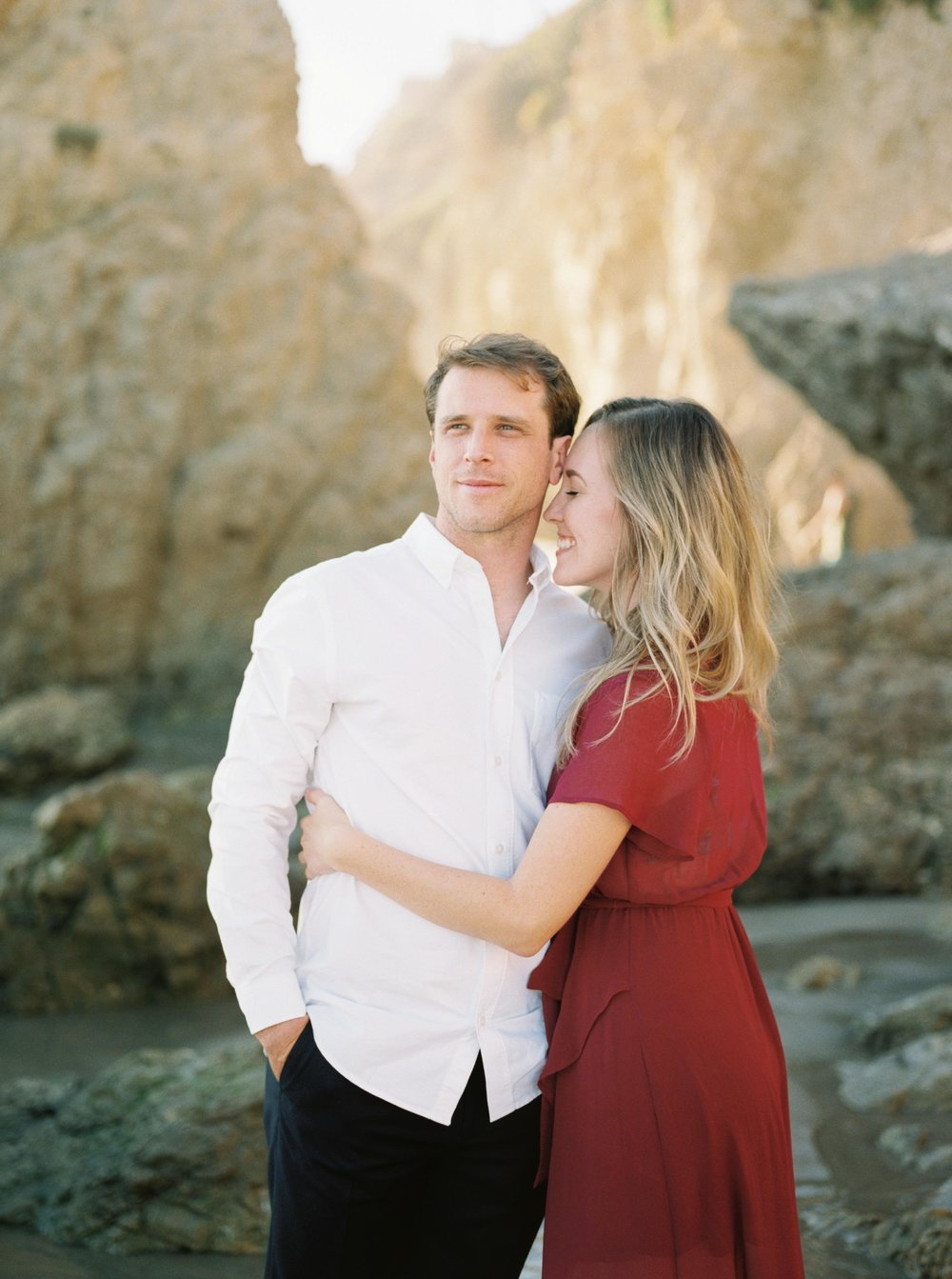 ELMATADOR_FUJI400H_MALIBU_LOSANGELES_PHOTOGRAPHER_WEDDING_ENGAGEMENT_STYLEMEPRETTY_FILM_BEACH_SOCAL_KATELROSEPHOTOGRAPHY_002.jpg