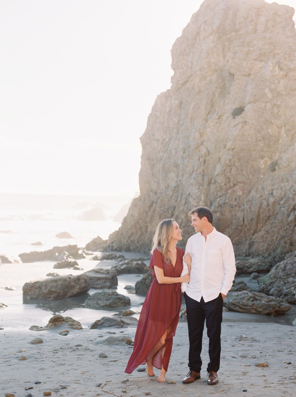ELMATADOR_FUJI400H_MALIBU_LOSANGELES_PHOTOGRAPHER_WEDDING_ENGAGEMENT_STYLEMEPRETTY_FILM_BEACH_SOCAL_KATELROSEPHOTOGRAPHY_005.jpg
