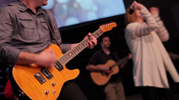 worship-team_sm1.jpg