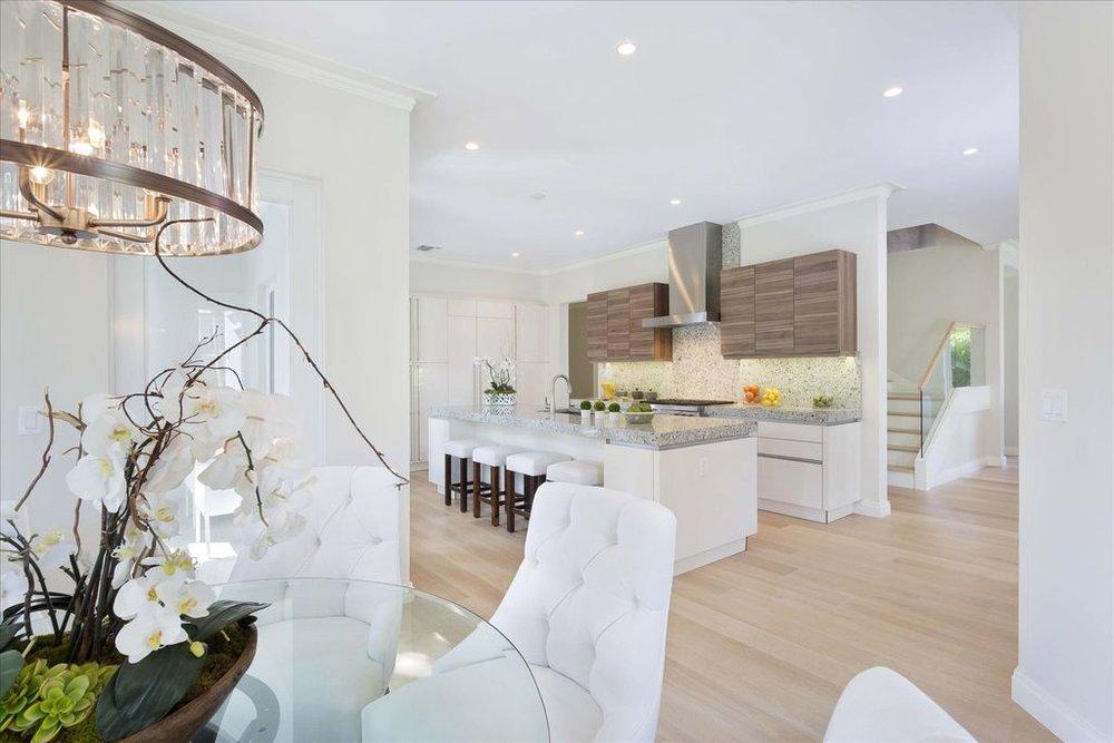 600-seasage-drive-kitchen.jpg