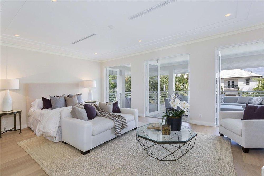 600-seasage-drive-master-bedroom.jpg