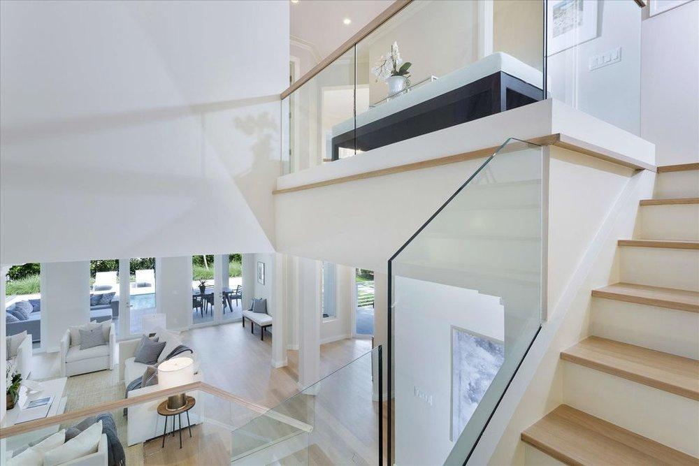 600-seasage-drive-staircase.jpg
