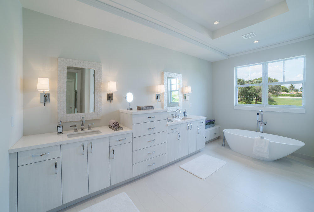 765Joe-Set01A-MasterBath1.jpg
