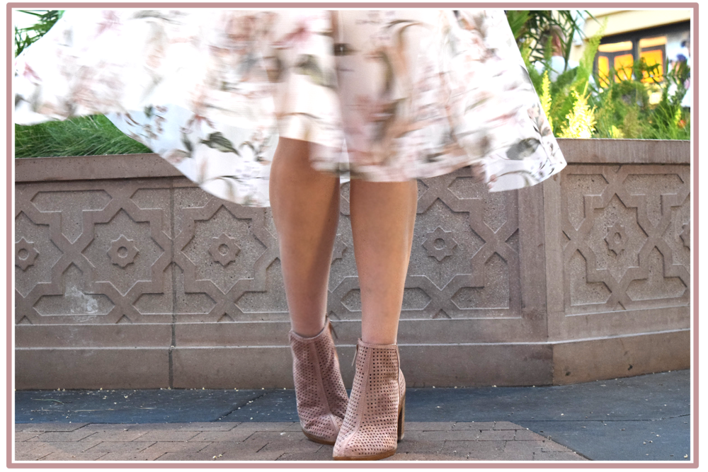 pink.suede.booties-street.style