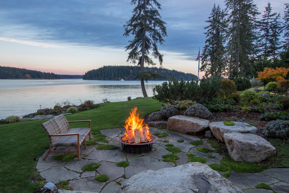 6 Outdoor Fire Pit- Ocean View.jpg