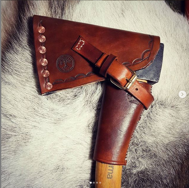Liam Berge | Leatherwork | Axe Cover