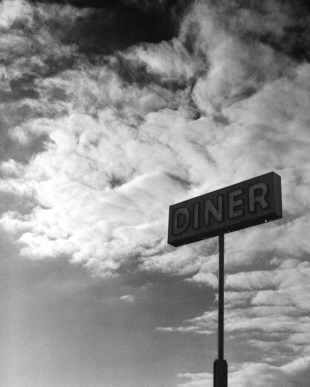 Dinersign1.jpg