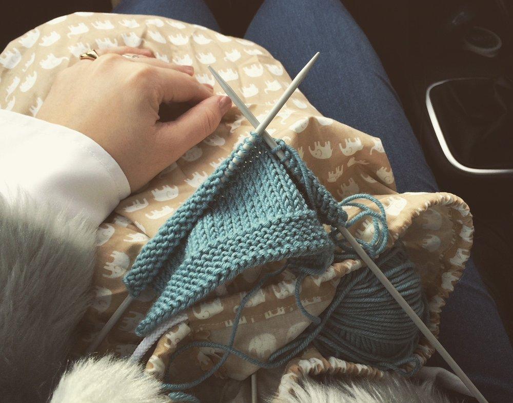 knitting-slow-craft-chill