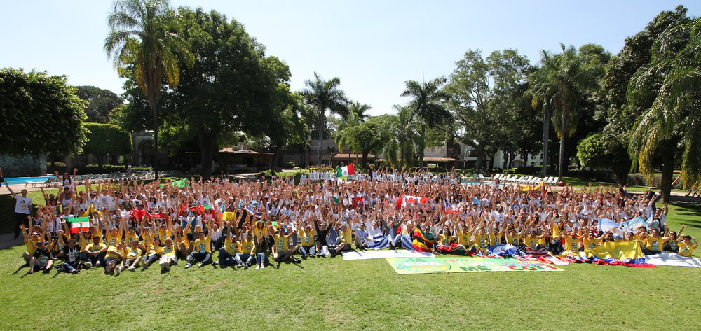 The entire group of students, chaperones and staff at the beautiful Hacienda Cocoyoc in Mexico.