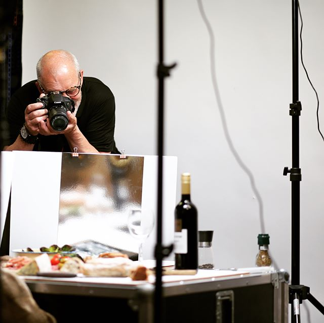 What an excellent evening of photography with our Food Photography Workshop. @justinvanmarle has been great. Hope you all enjoyed yourselves!