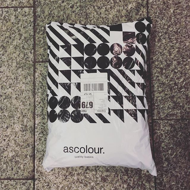 The reinforcements have arrived! @ascolour #qualitybasics #plaintees #london #sidewalk #mysterypackage #blackandwhite #specialdelivery #kiwisinlondon #paydaymillionaire