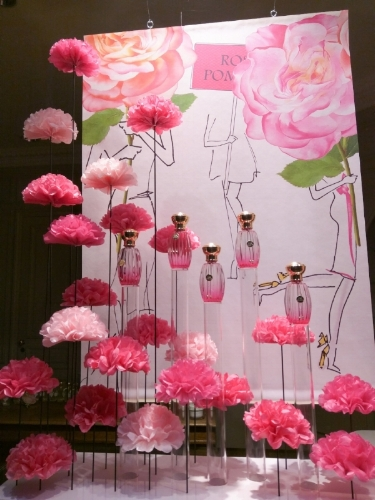 roger & gallet rose pompon window display 1.jpg