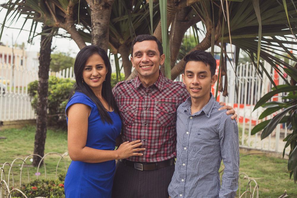 Paúl, Pierina y Alejandro