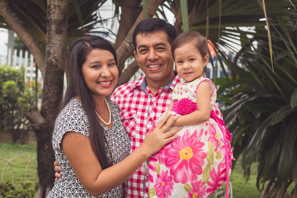 Percy, su esposa Gema y su hija Mila