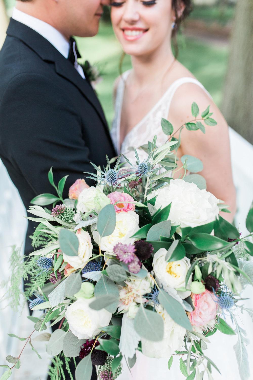 Soft bridal bouquet bold purple    Photographer: Cynthia Boyle