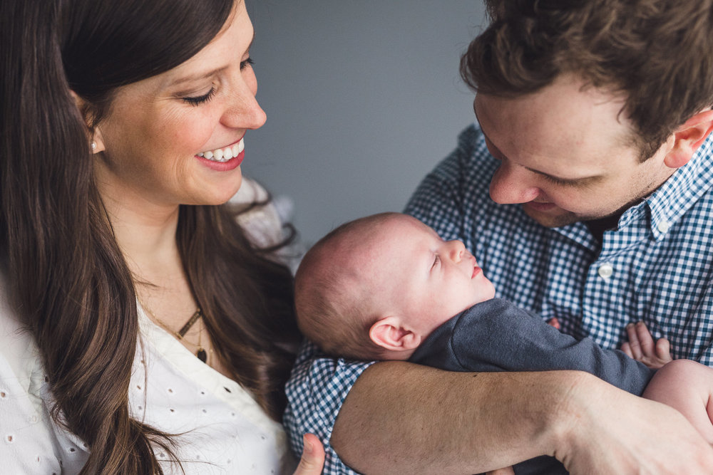 thomas wywrot photography nashville family photographer newborn photos baby pictures infant in home indoor natural light candid lifestyle franklin brentwood