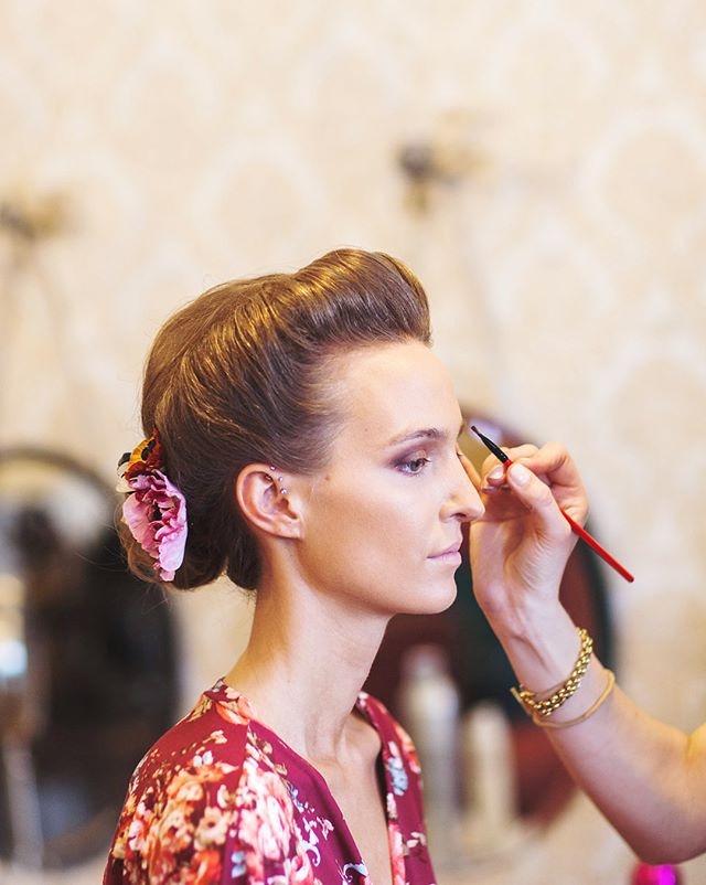 We BELIEVE in perfection & we'll even double time it to give you what you deserve ;) . . . . . . . . . . . . . #mansion #perfection #double #time #smhair #smmakeup #smhairandmakeup #hairstylist #makeupartist #wedding #bigday #couple #married #photoshoot #photography #photographer #mnbrides #mnweddings #brand #company #smbrand #smcompany