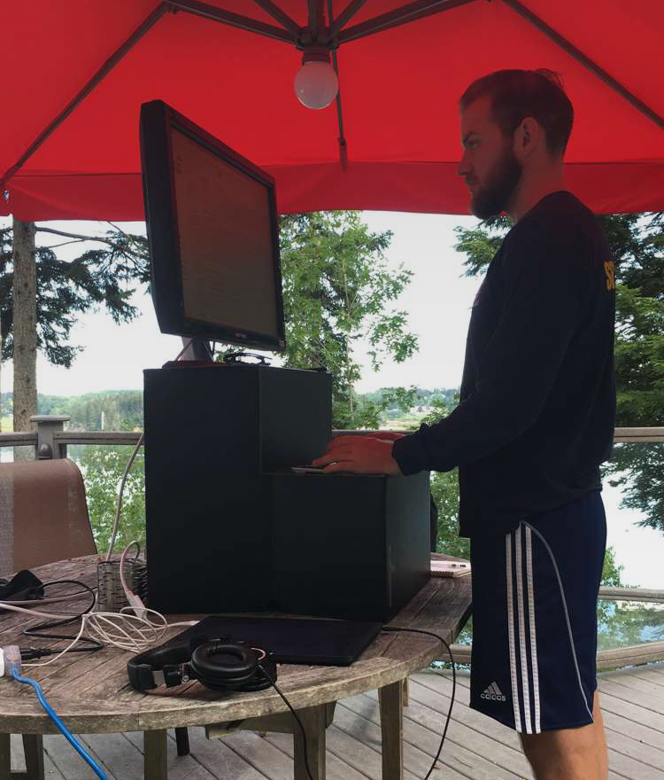 outdoor-standing-desk-office-setup