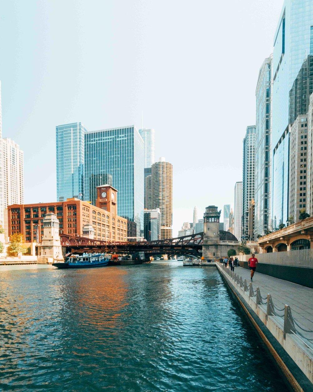36-hours-in-chicago-chicago-riverwalk